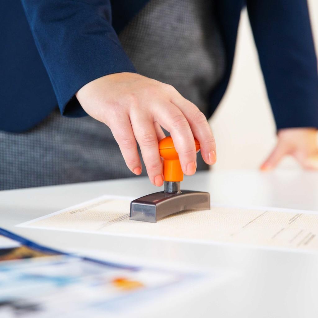 kauppakamari vahvistaa ulkomaankaupan asiakirjoja