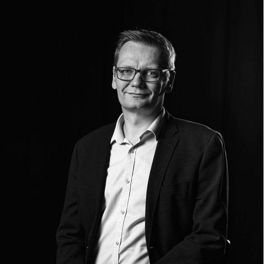 Mikko Isoniemi Moderni Myyntijohtaminen